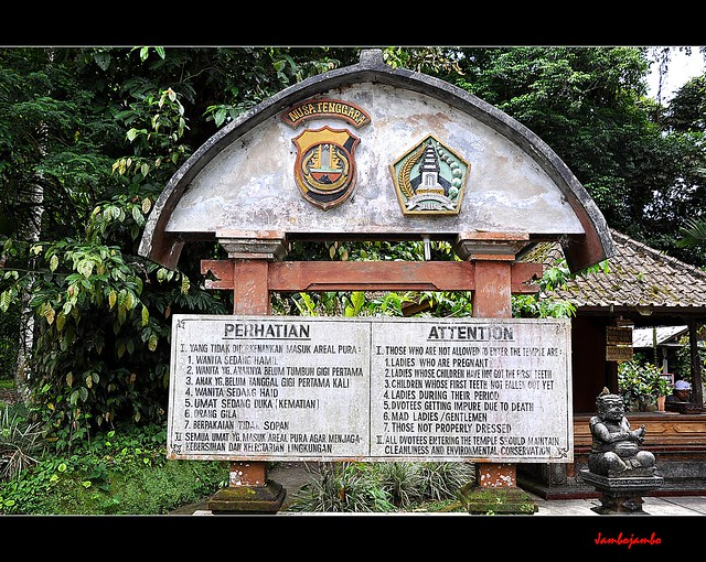 Bali - Batukaru (prohibitions)