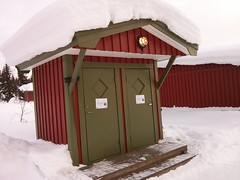 barn(0.0), tent(0.0), building(1.0), hut(1.0), winter(1.0), snow(1.0), shack(1.0), house(1.0), log cabin(1.0), sugar house(1.0), shed(1.0),