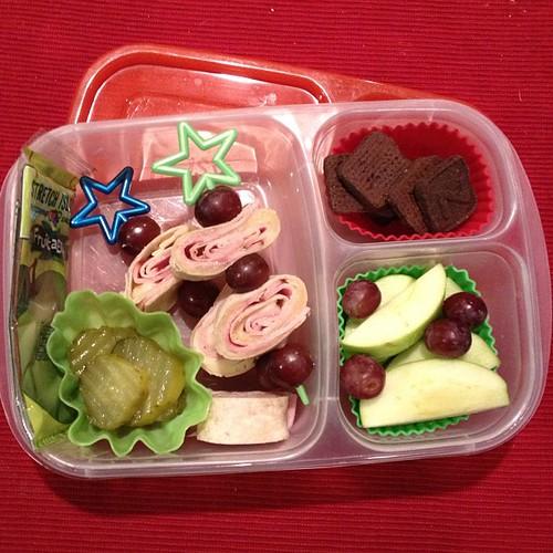 Ham and cheese pinwheels #easylunchboxes #simplysweetscakestudio