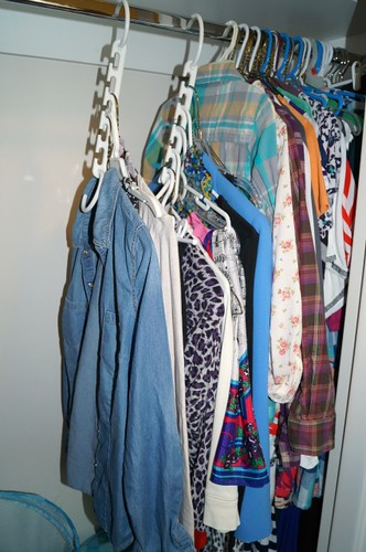 Style That Moves-How To Organize a Small Closet.