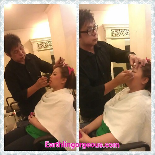 Jaja having her makeup with the Tony Galvez