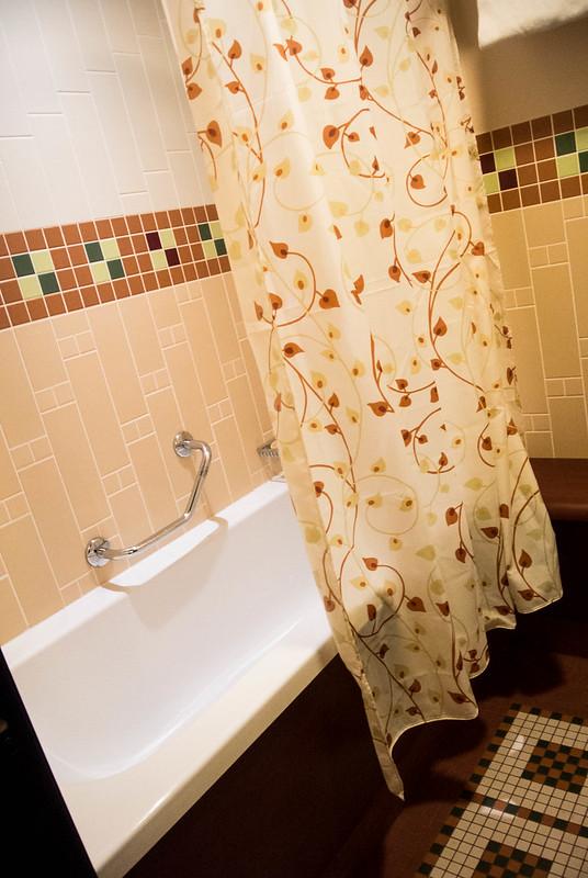 Sequoia Lodge Bathroom