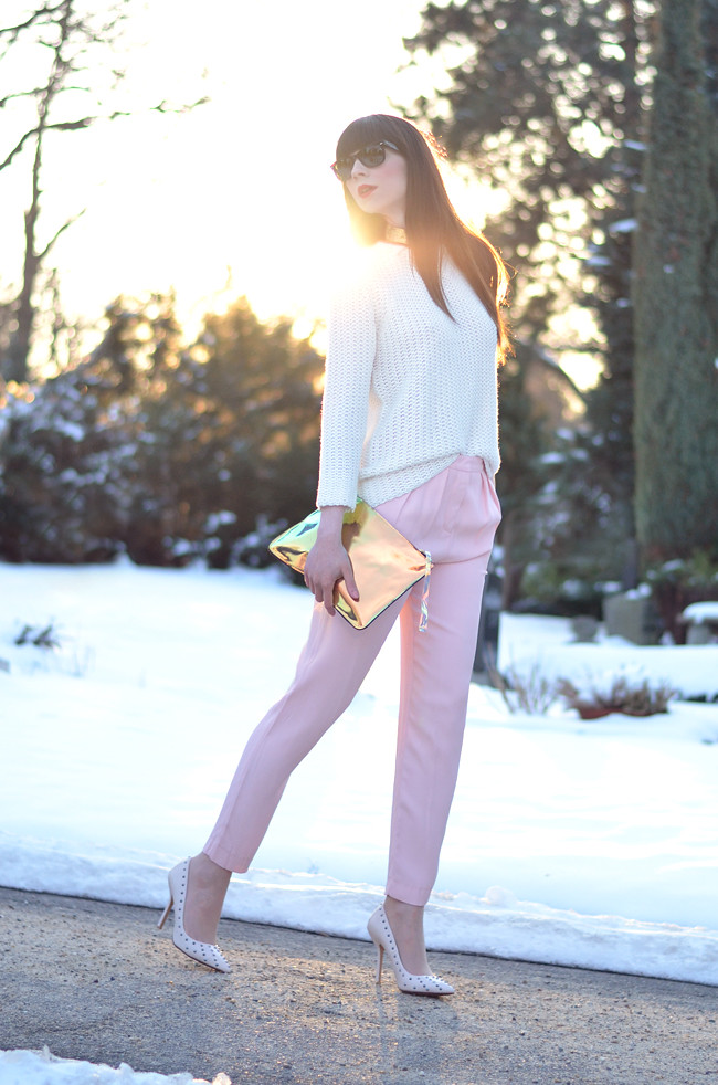 Pink pants white jumper metallic clutch outfit sunset 7