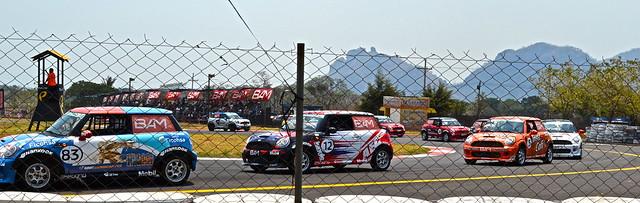 Mini coopers - car race