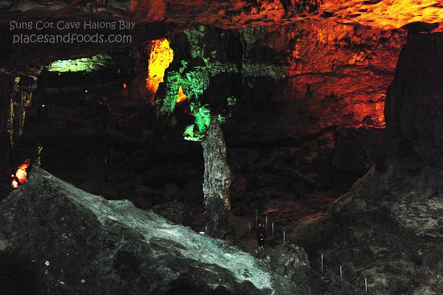 sung cot cave halong bay 8