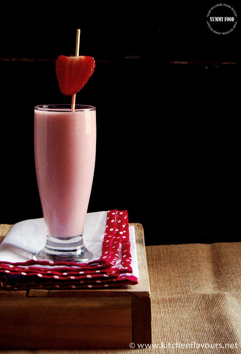 Thick & Creamy Strawberry Milkshake