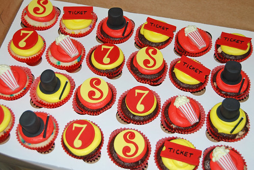 7th birthday circus themed cupcakes