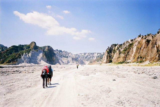 2013 04 04_trek to the crater of pinatubo 01