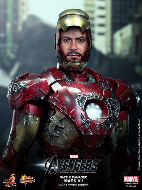 Hot-Toys-Battle-Damaged-Iron-Man-Mark-VII-008