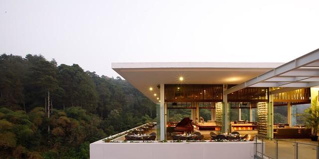7 The Restaurant