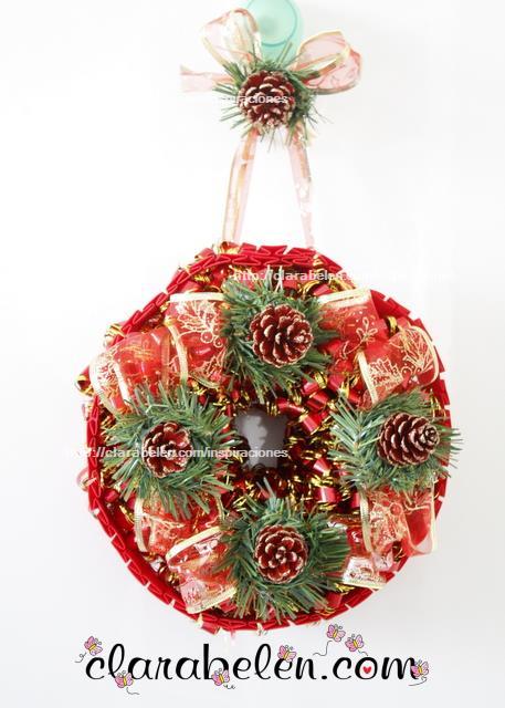 Cómo hacer una corona barata para Navidad