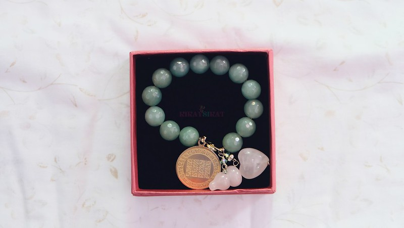 charms-crystals-healing-stones-1