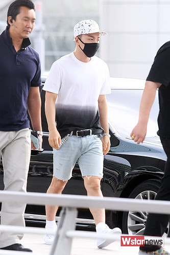 BIGBANG Incheon Airport to Shanghai Press 2015-06-19 078