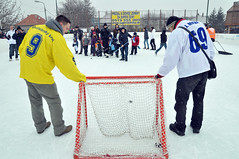 stick and ball games(0.0), goaltender(0.0), ice hockey position(0.0), bandy(0.0), sports(1.0), ice rink(1.0), ice hockey(1.0), hockey(1.0), player(1.0), athlete(1.0),
