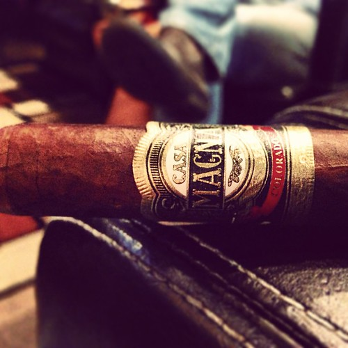 put the Jalapa down but it's a Quesada night so Colorado Robusto 'old faithful' time @terencereilly82