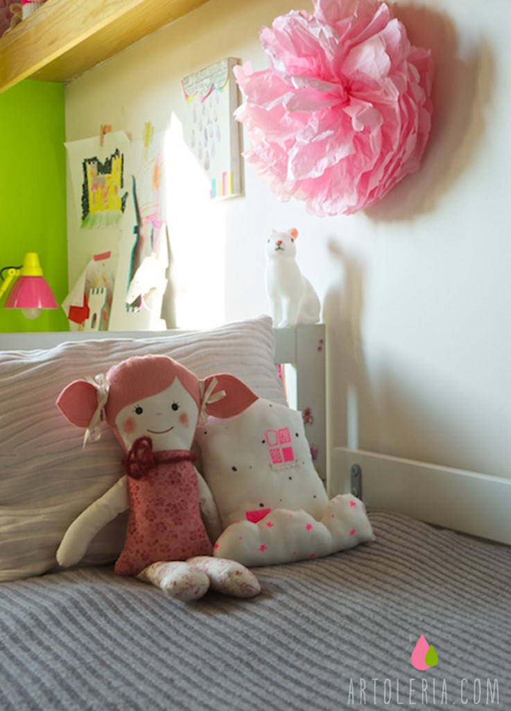 Girly bed room Tulimami Pippi fabric doll