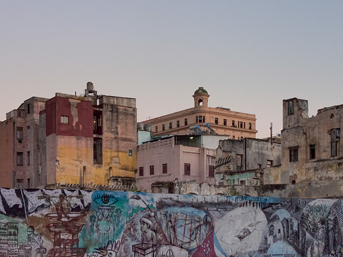 La Habana : Urban Decay by M9ike