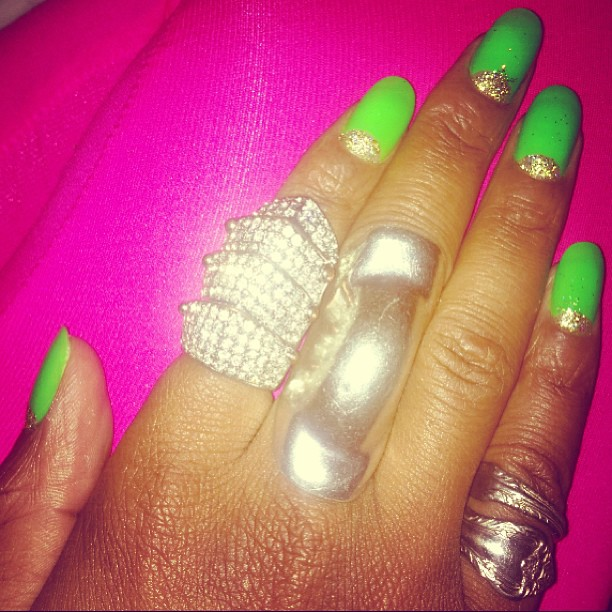Had to cut my nails since they broke in the the worst way  so painful! Back to square one... Love my mani though. #nailart #roundnails #naturalnails #neon #neongreen #green #coolnails #reversefrench #halfmoonmani #melodyeshani #armadilloring #spoonring #s