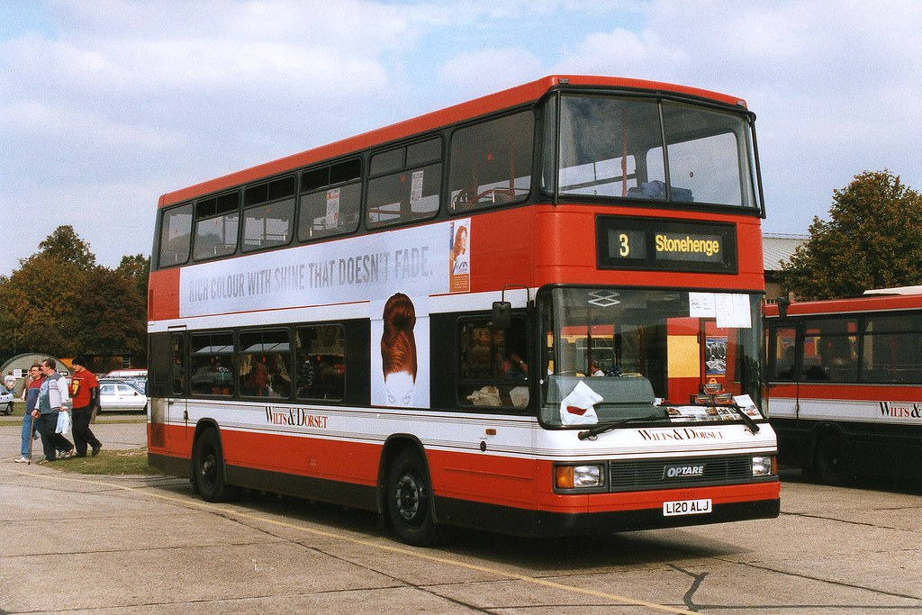 Wilts & Dorset Optare Spectra 3120 L120ALJ at Showbus