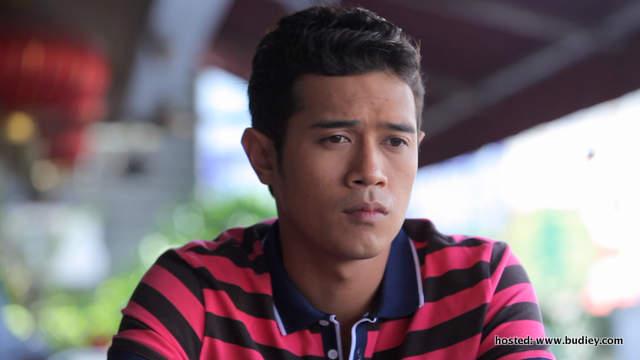 Amar Asyraf memegang watak utama sebagai Alif