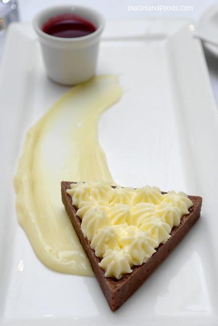 pier one white chocolate