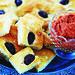 Focaccia med oliver, rosmarin och röd tapenad