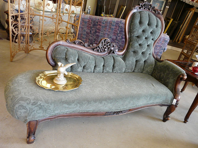 Antique fainting couch flickr photo sharing for Small fainting couch