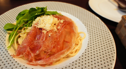 Spaghetti Parma ham: On the Table