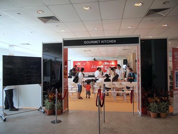 savour 2013 - singapore - gourmet market (129)