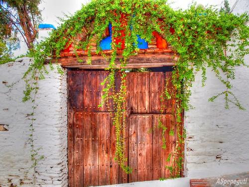 Puerta en Macharaviaya (Málaga)