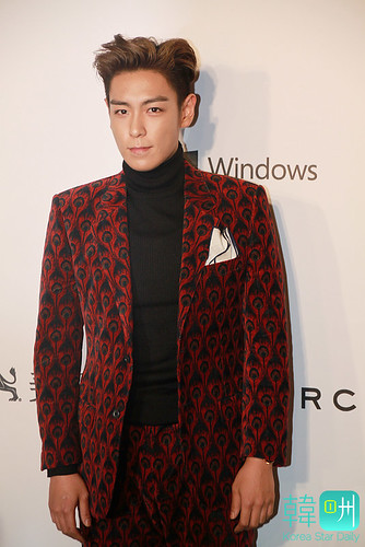 KoreaStarDaily-2015-03-16-update-for-amfAR 04