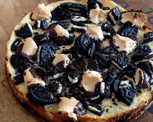 Cheesecake mit Oreos und Marshmallows