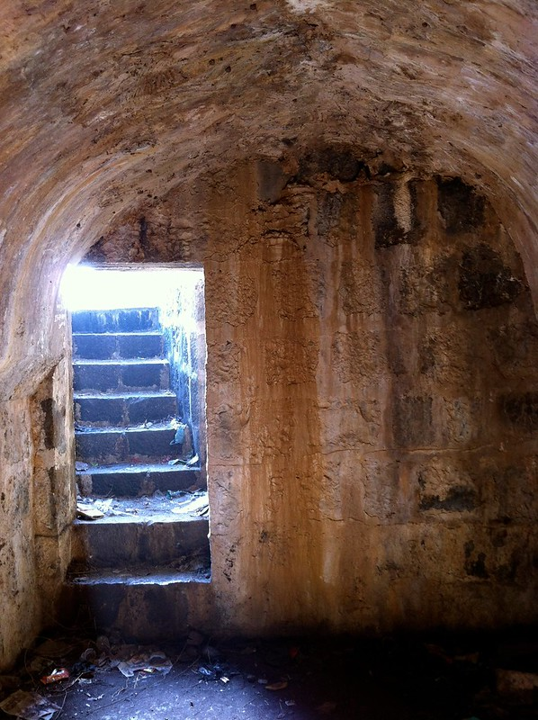 Hidden chamber in wall at Arnala fort
