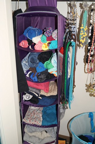 Style That Moves - How To Organize a Small Closet