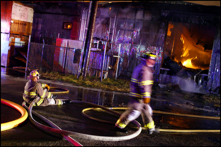 WarehouseFire02