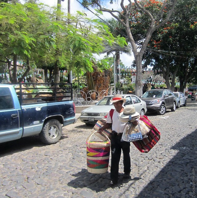 Basket Maker/Vender in Ajijic
