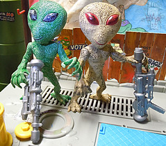 "DOLLAR TREE :: ""ALIEN"" ACTION FIGURE; Green & Tan xiii (( 2012 ))"
