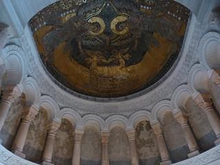 Cúpula de Germigny-des-Prés, con el Arca de la alianza custodiado por ángeles