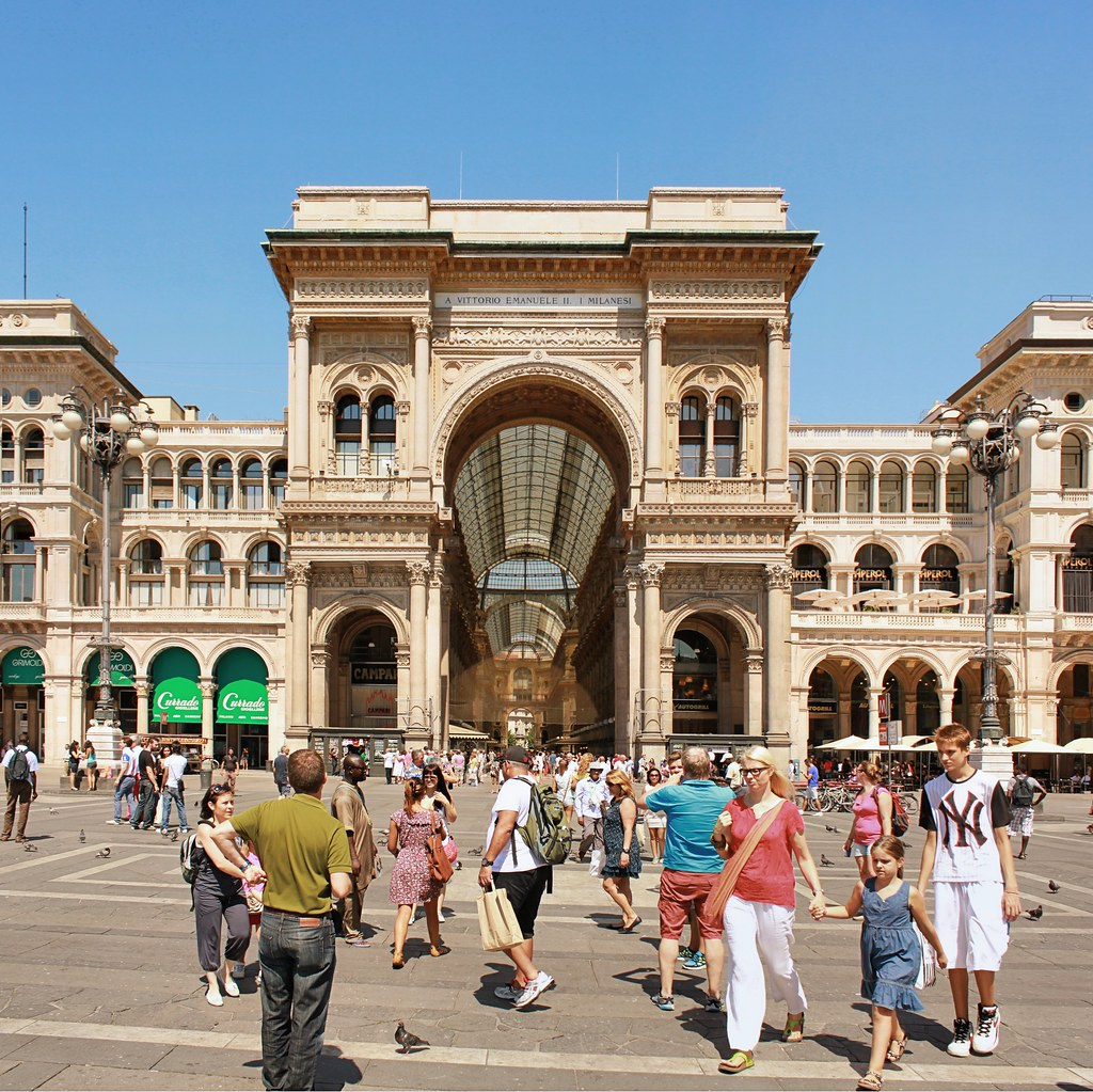 The busy Piazza Duomo in Milan