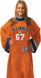 A suspiciously happy model wears an Illini snuggie.