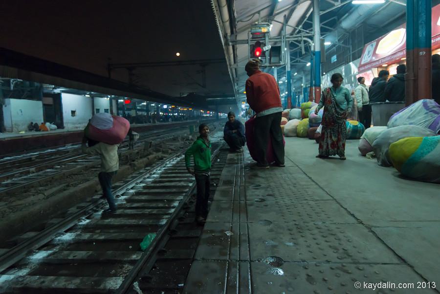 Вокзал в Дели, Индия