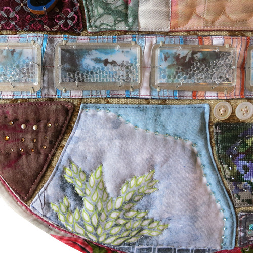 quilt-talisman2-moving-parts-mysterious-Detail2