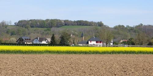 Le village d'Aren, Béarn, Pyrénées Atlantiques, Aquitaine, France.