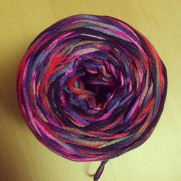 Something about this yarns say @ejthecomic to me, so I think it is meant to become something special just for her :) #expectapackagesoon #knittingyousomethingspecial