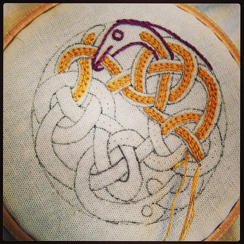 Snake-Celtic-knot-thing progress.