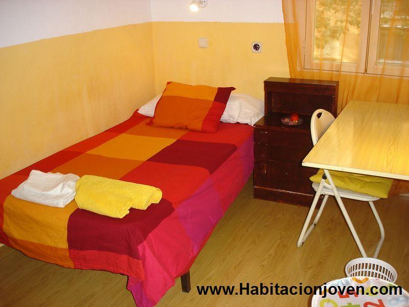 Alquiler habitaci n madrid moratalaz c entre arroyos n 52 h2 350 habitaci n joven - Pisos en alquiler en moratalaz particulares ...