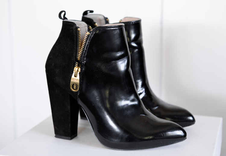 ZARA ANKLE BOOT WITH DOUBLE ZIP