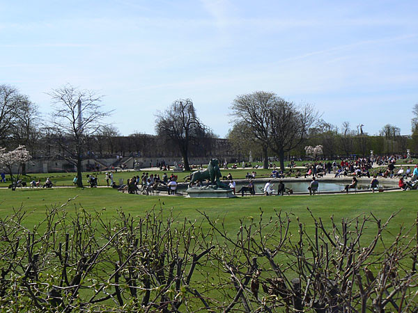 un bassin aux Tuileries.jpg