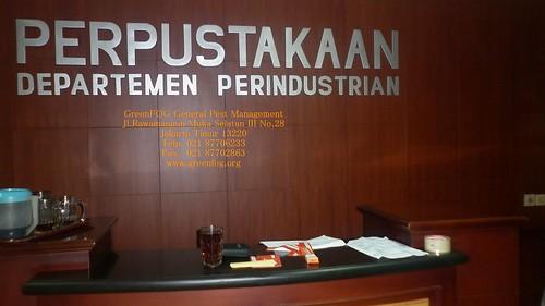 Fumigasi Perpustakaan KEMENPERIN, Jakarta