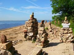 Local artist Doug Schwartz's stone sculptures at Mount Loretto Beach.